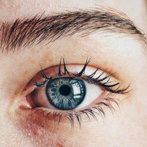 œil femme